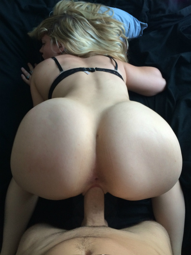 amateur ass big blonde