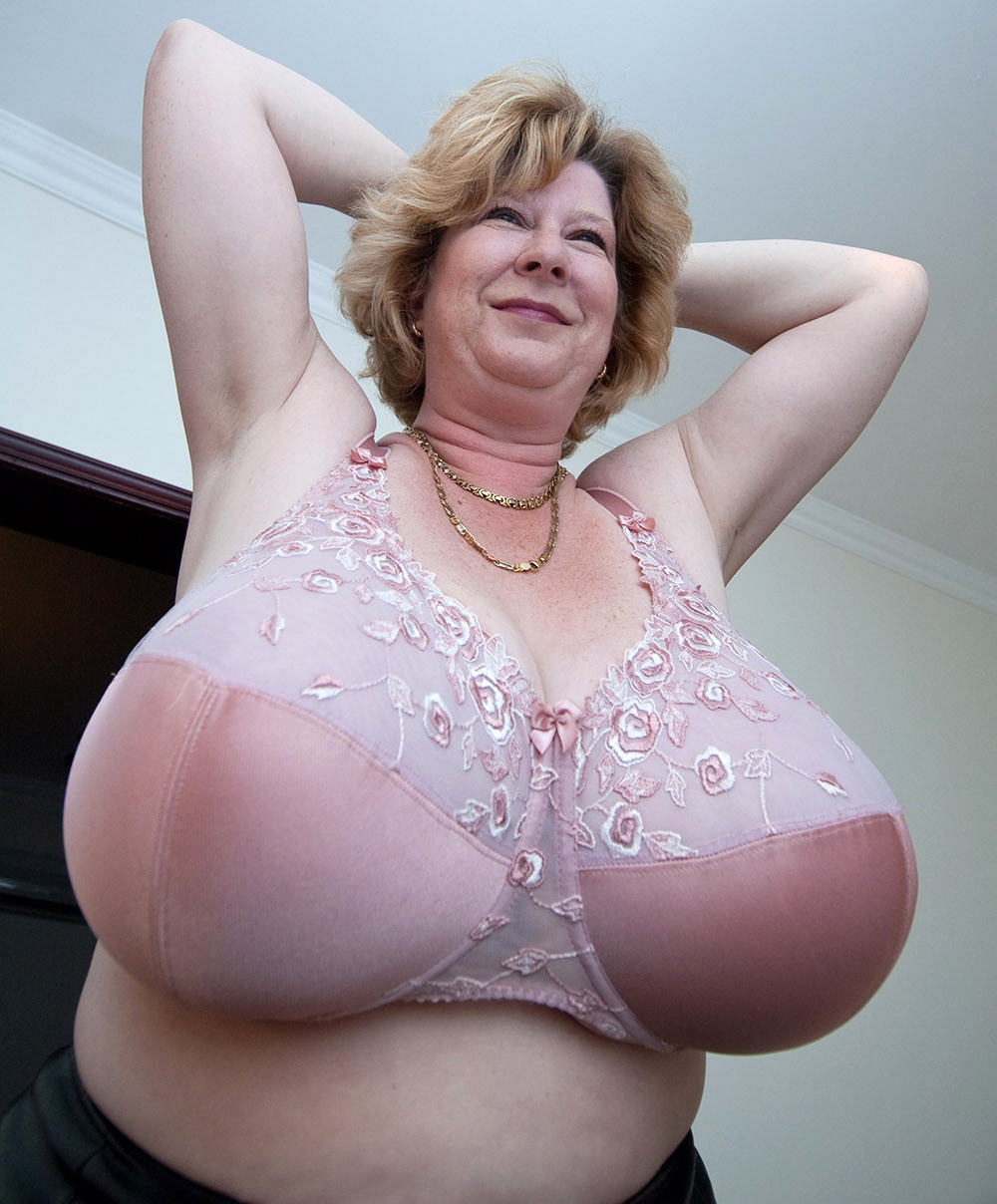 natural mature boobs huge