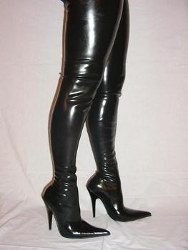 boots high thigh latex