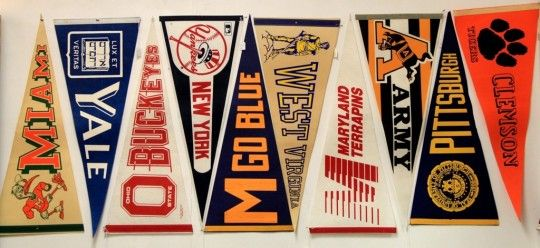 colleg pennants vintage