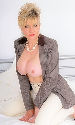 sonia pornstar lady