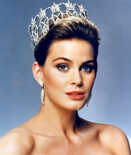 beauty een pageant nude