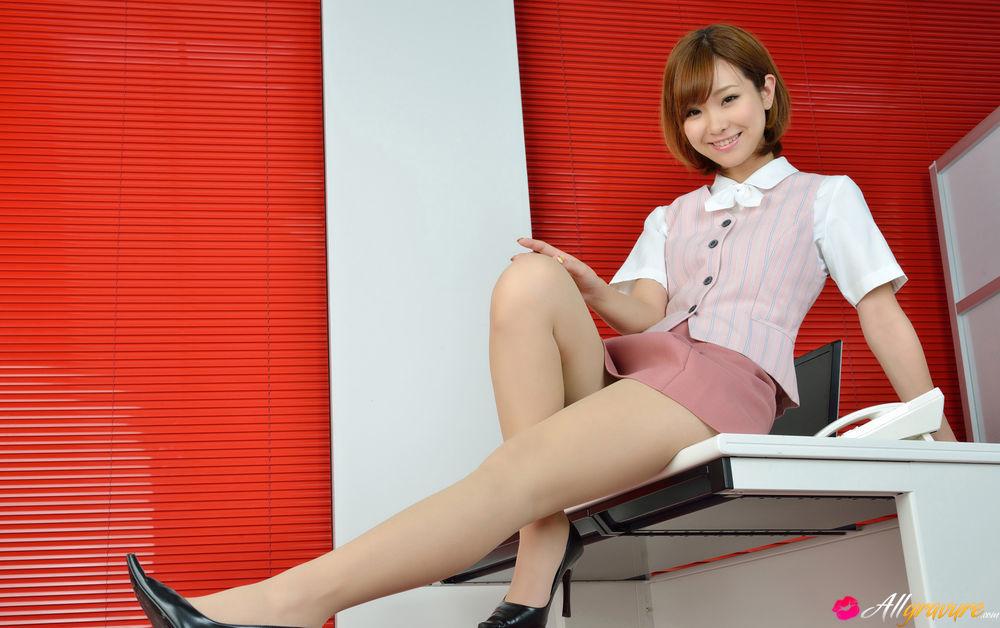 in pussy skirt asian short