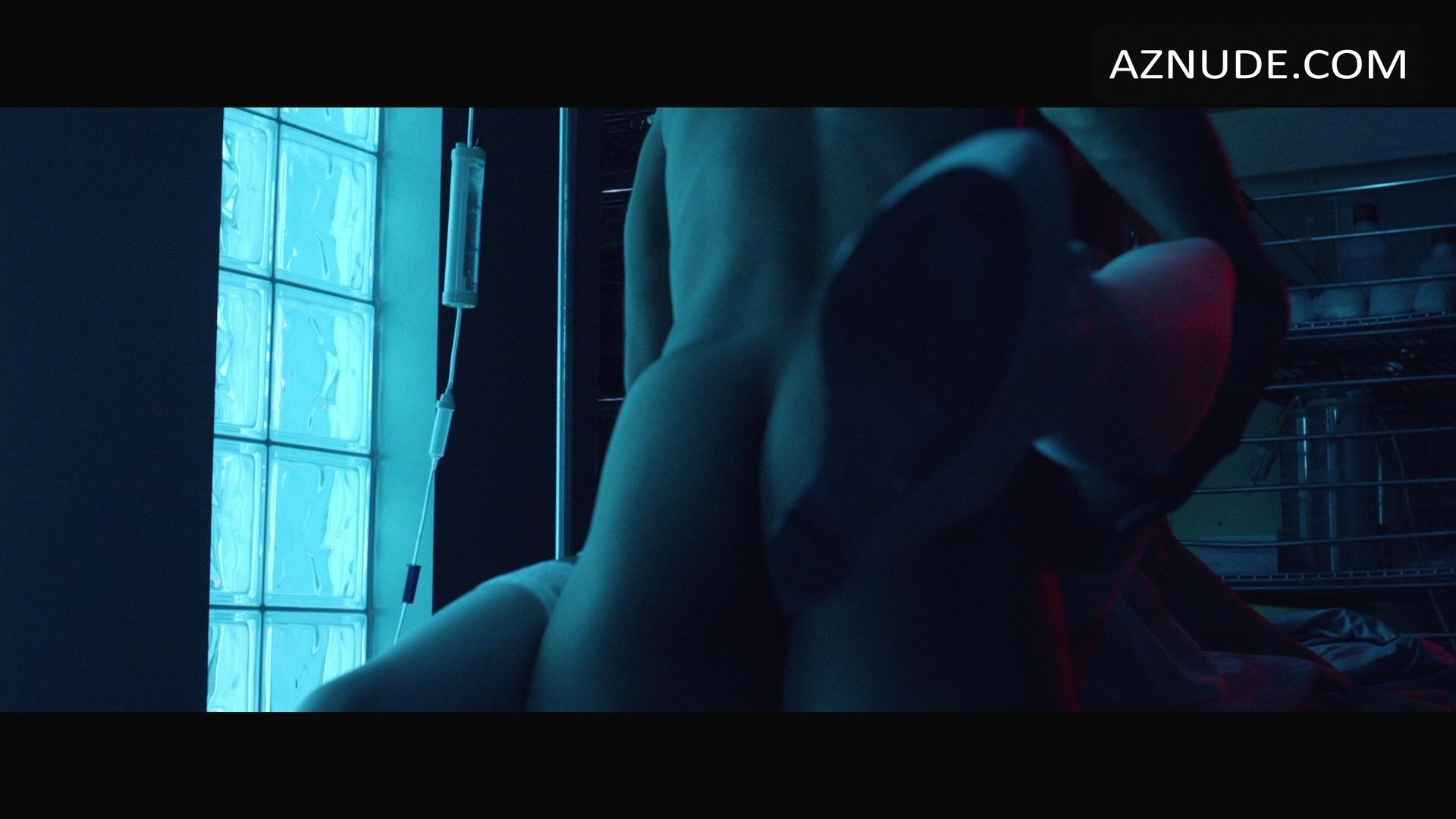 showing corbin naked his butt bleu