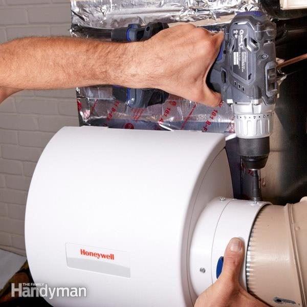 bottom humidifier mount furnace