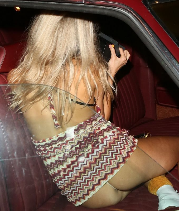 celeb oops pic upskirt