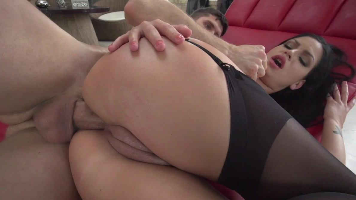 pussy threesome bella anne trimmed