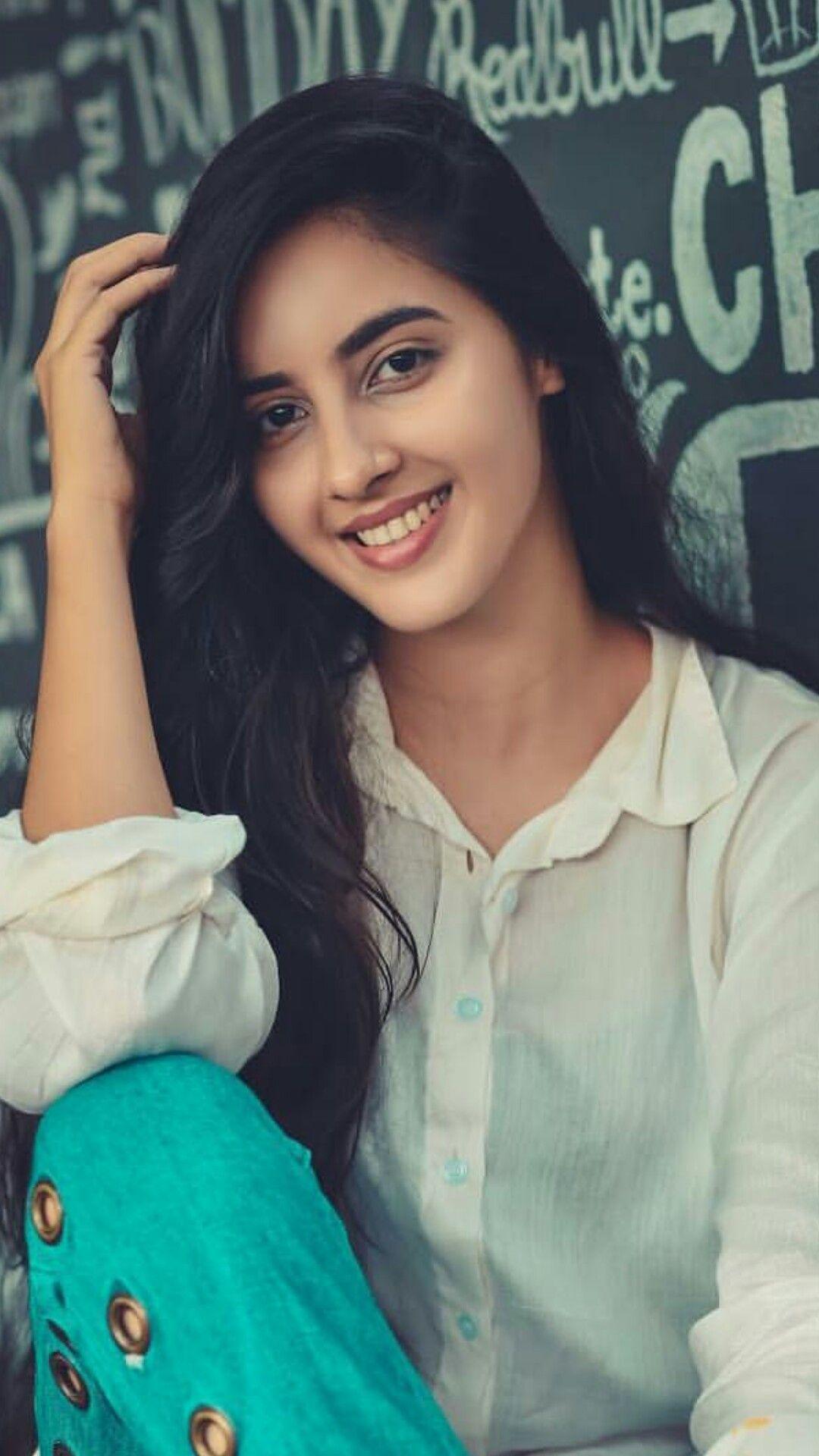 girl indian cut