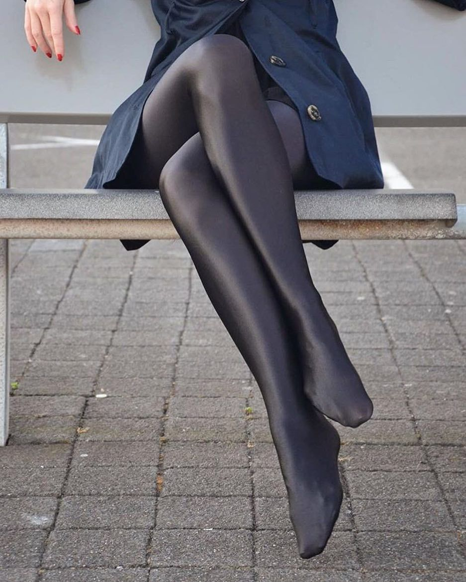 in stocking tights sexy legs