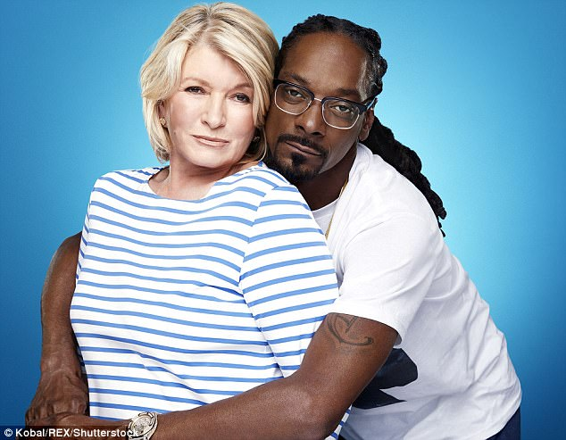 dating snoop is and martha