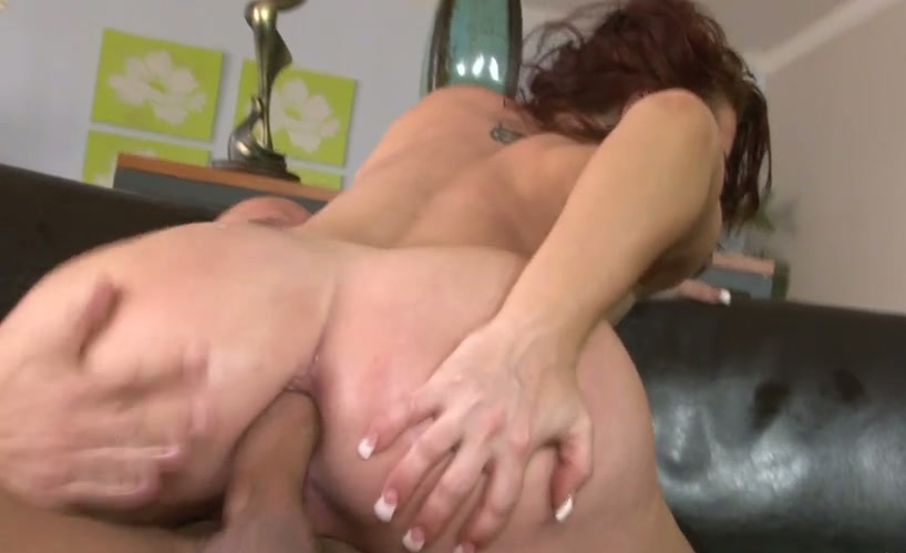 lesbains anal strap on sex