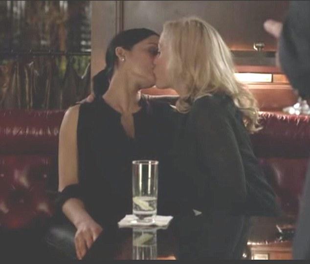 anderson lesbian is gillian