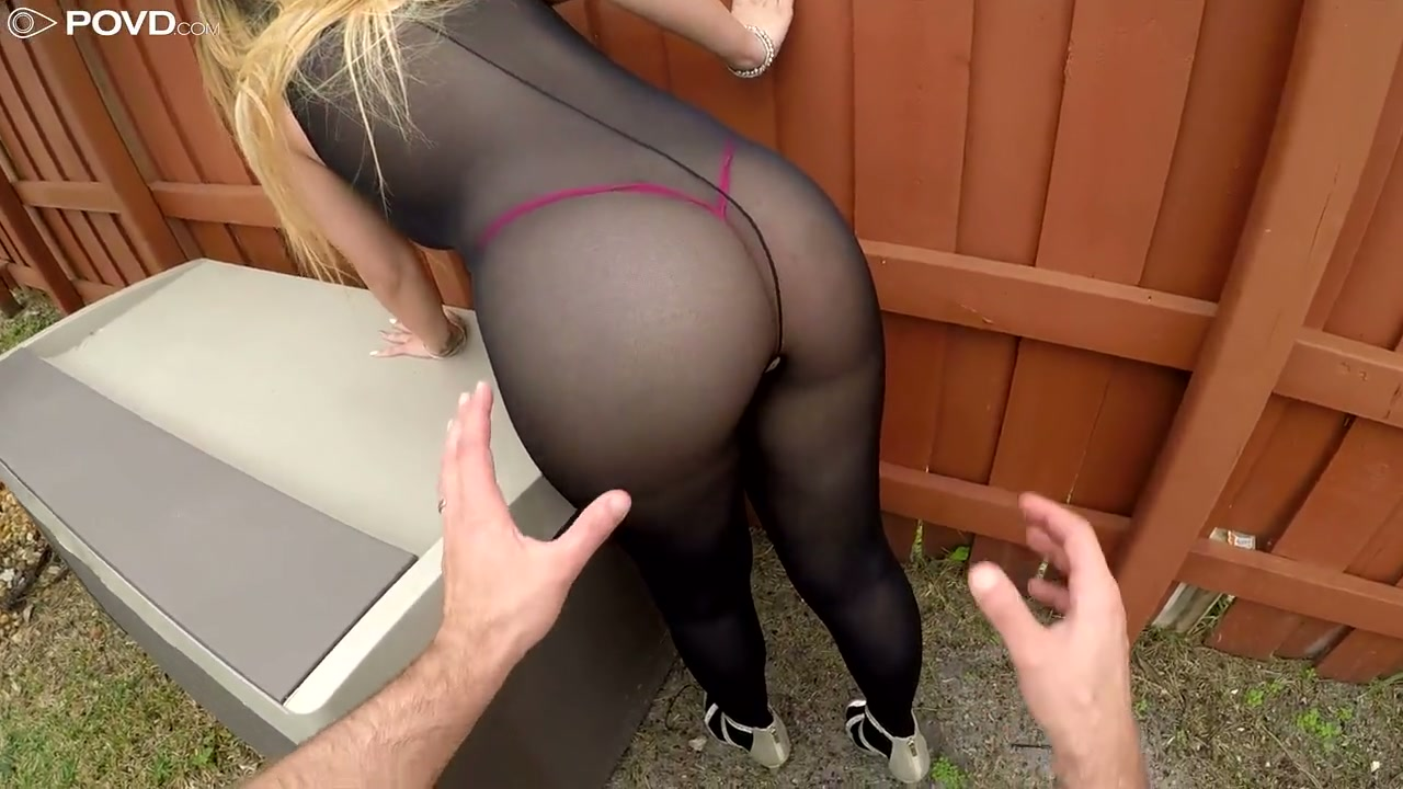 pictures mature upskirt