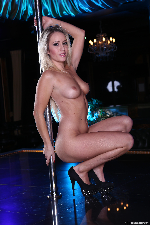 sexy strip dance nude