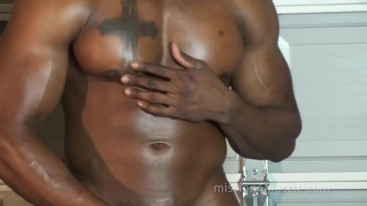solo black muscle