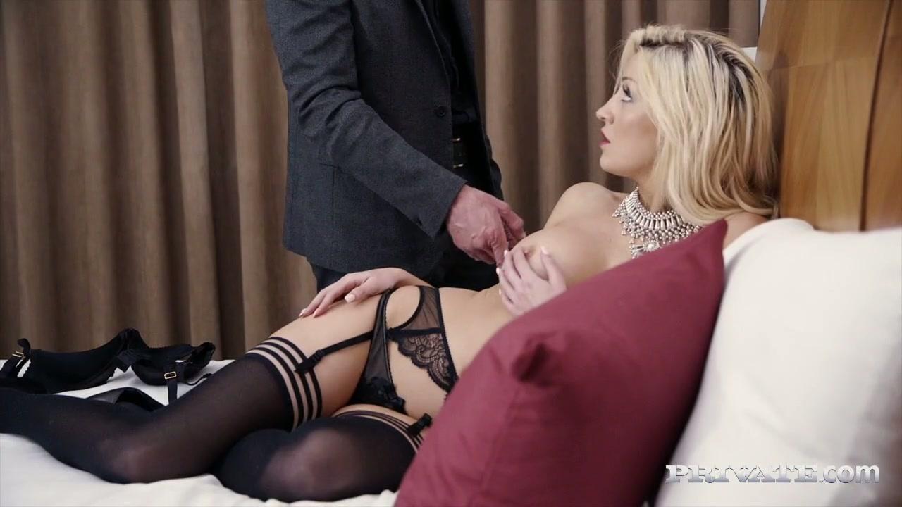 porn inflatable dildo inside vajina