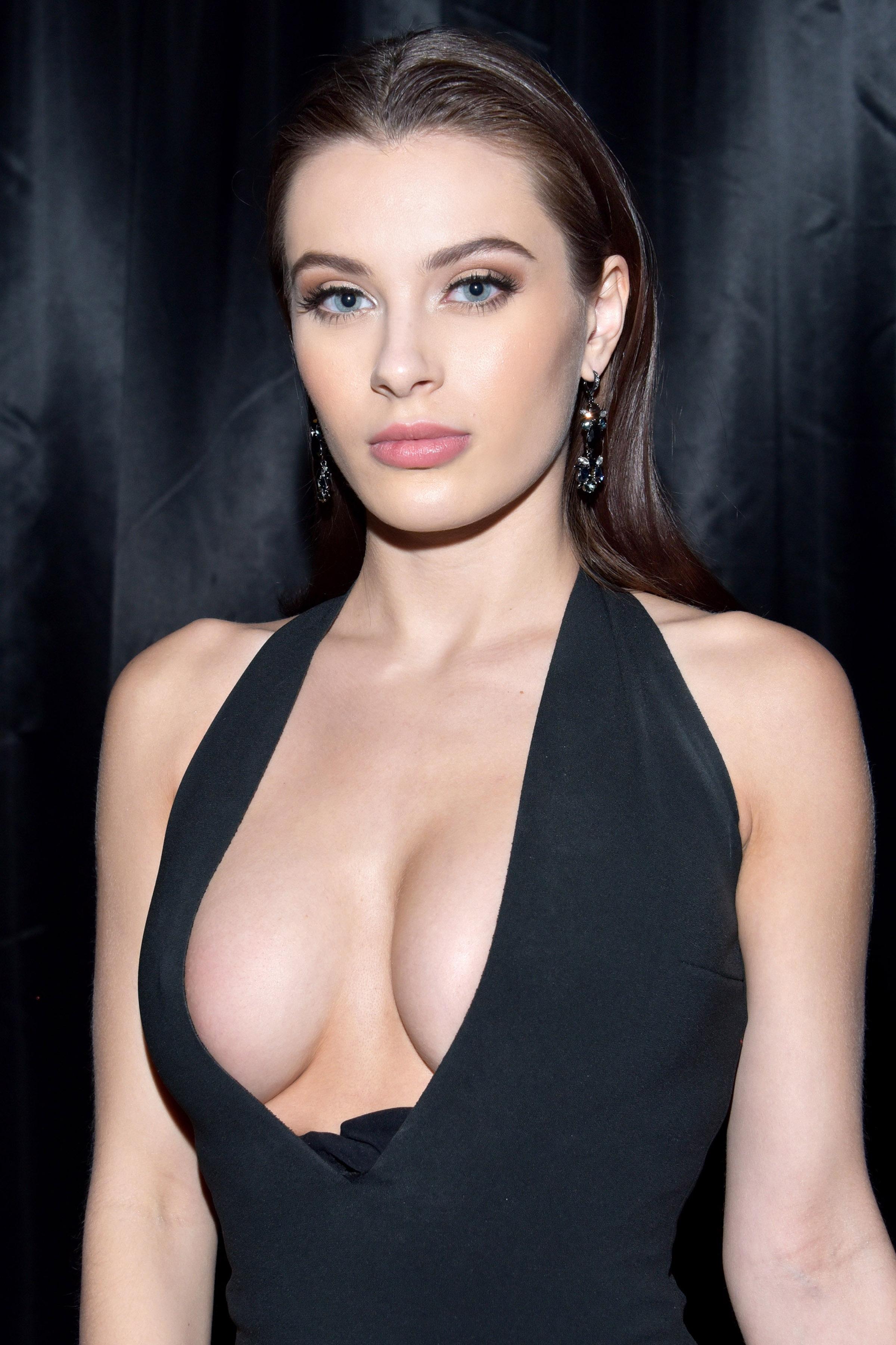 adult internet database actress