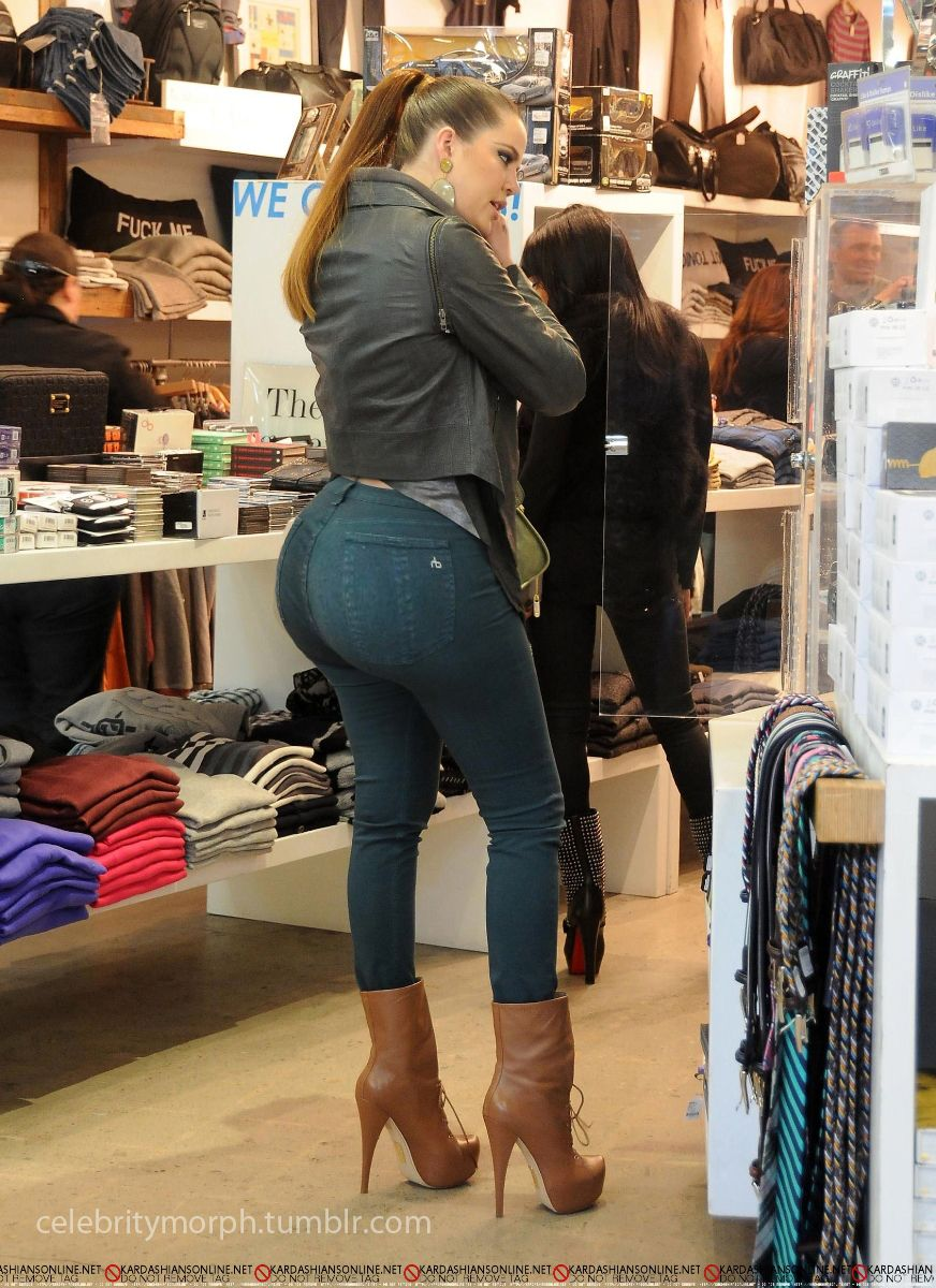 ass kardashian kloe big