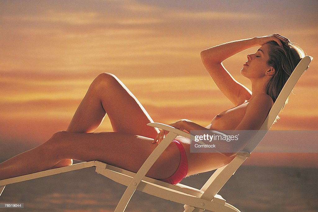 free suntanning galleries nude