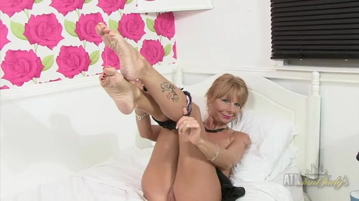anal vanessa gold