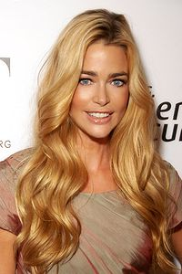 denise richards thumbs