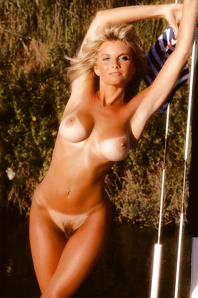 pics lind dede nude