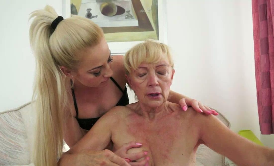 lesbians chain bondage