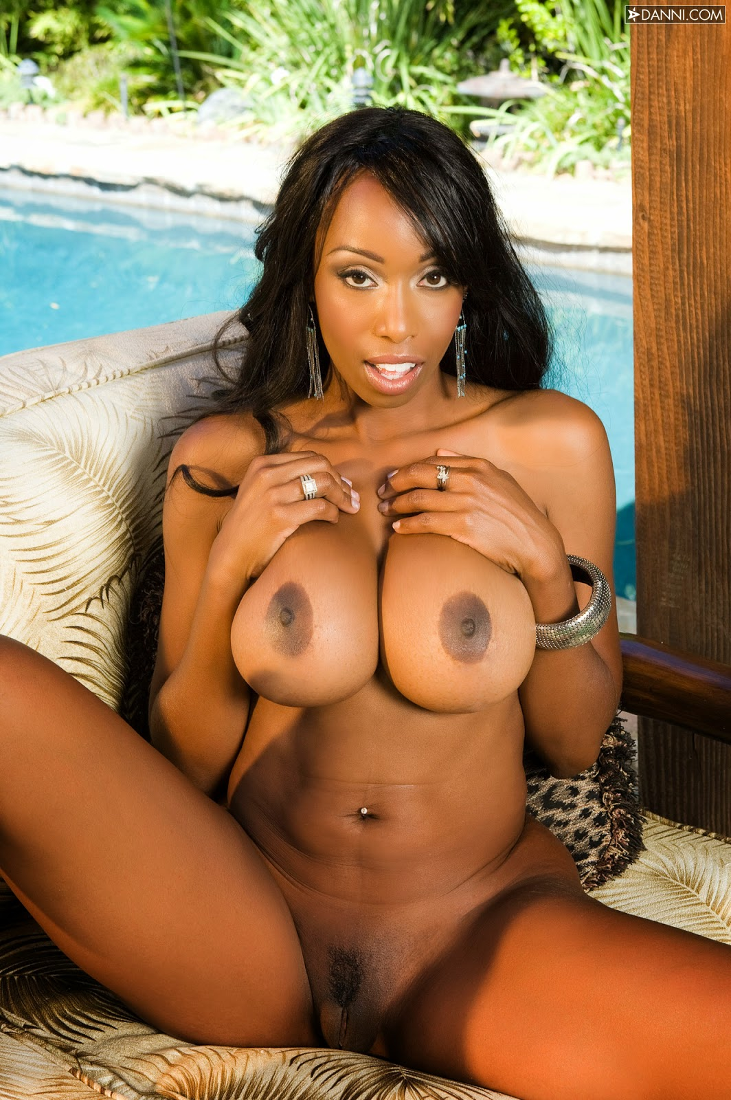 ebony pics hot naked