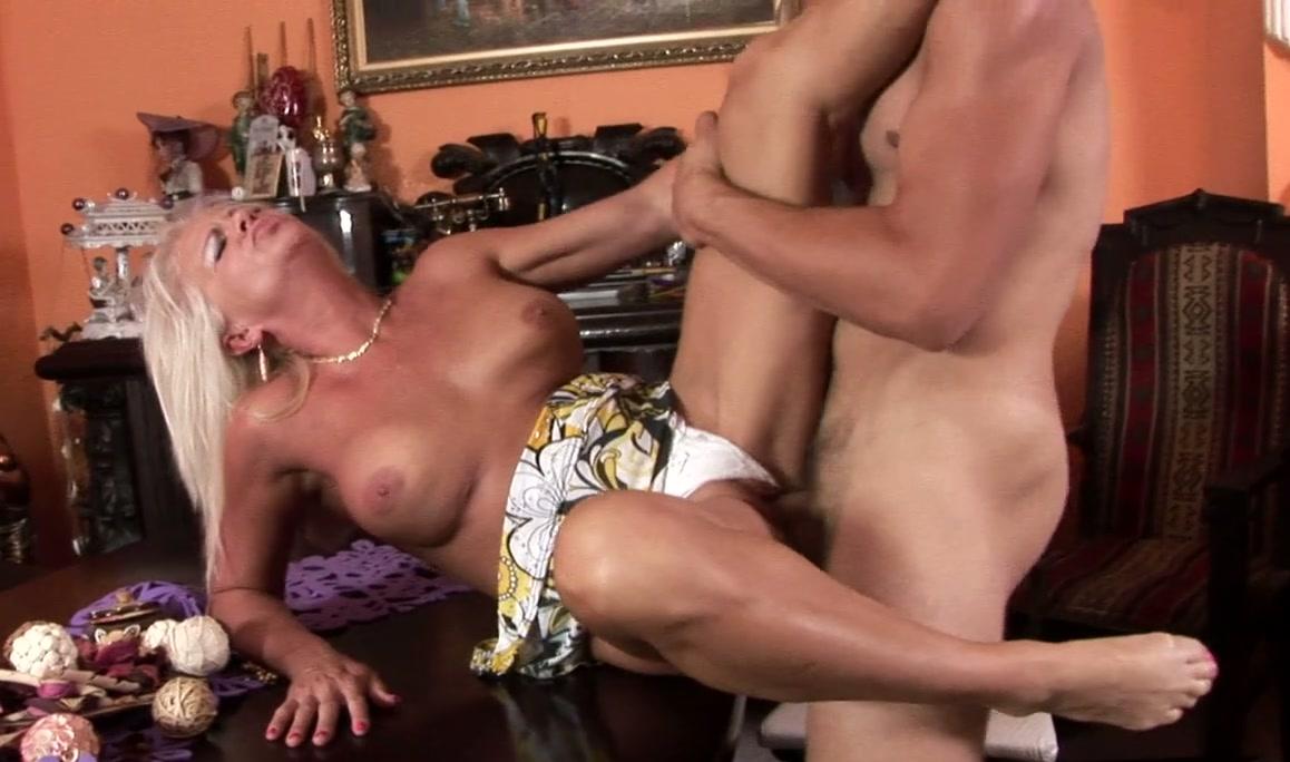 naked hot asian woman